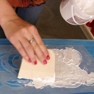 смешиваем пасту с акриловой краской